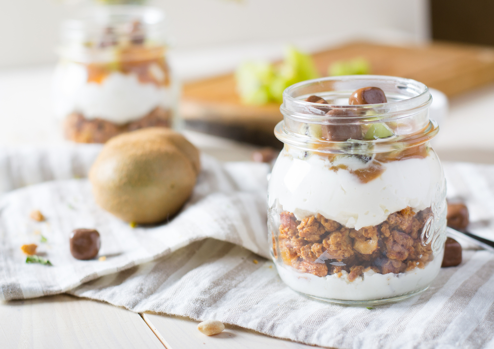 Pudding parfait in a glass jar